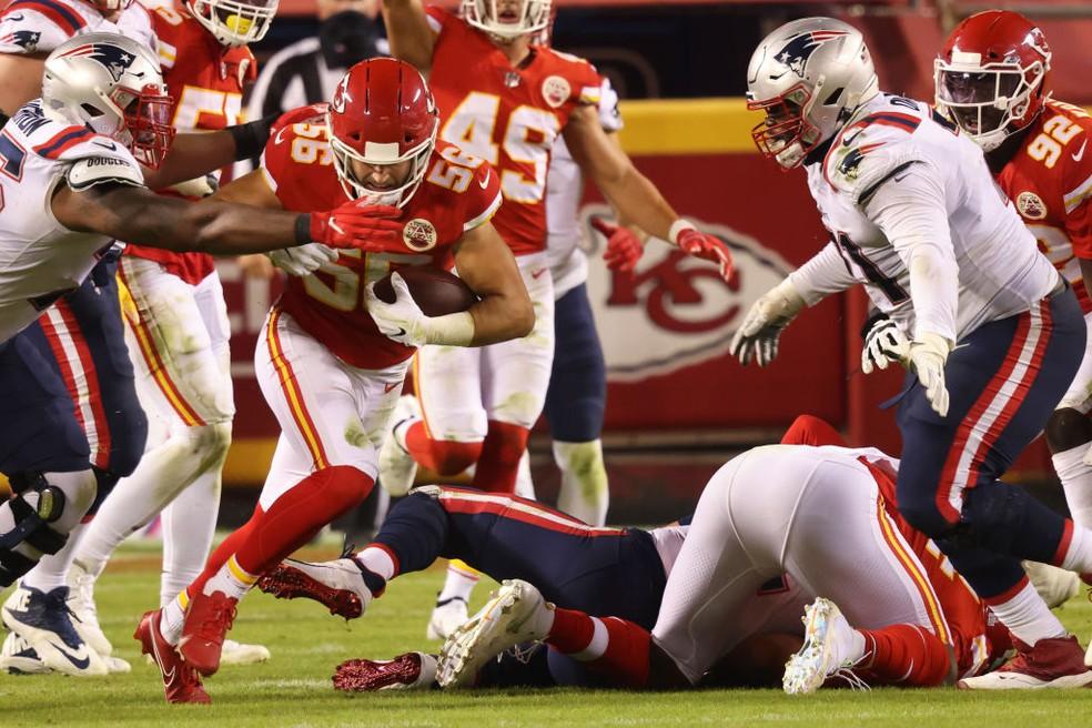 Kansas City Chiefs e New England Patriots fizeram jogo equilibrado até o último quarto — Foto: Jamie Squire/Getty Images