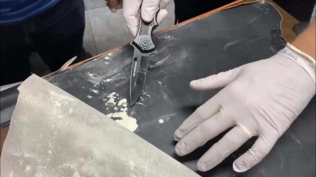 Homem é preso em flagrante com 3,9 quilos de cocaína dentro de mala no Aeroporto do Recife
