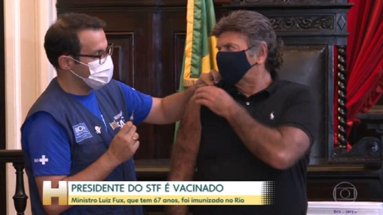 Ministro Luiz Fux, presidente do STF, é vacinado contra a Covid