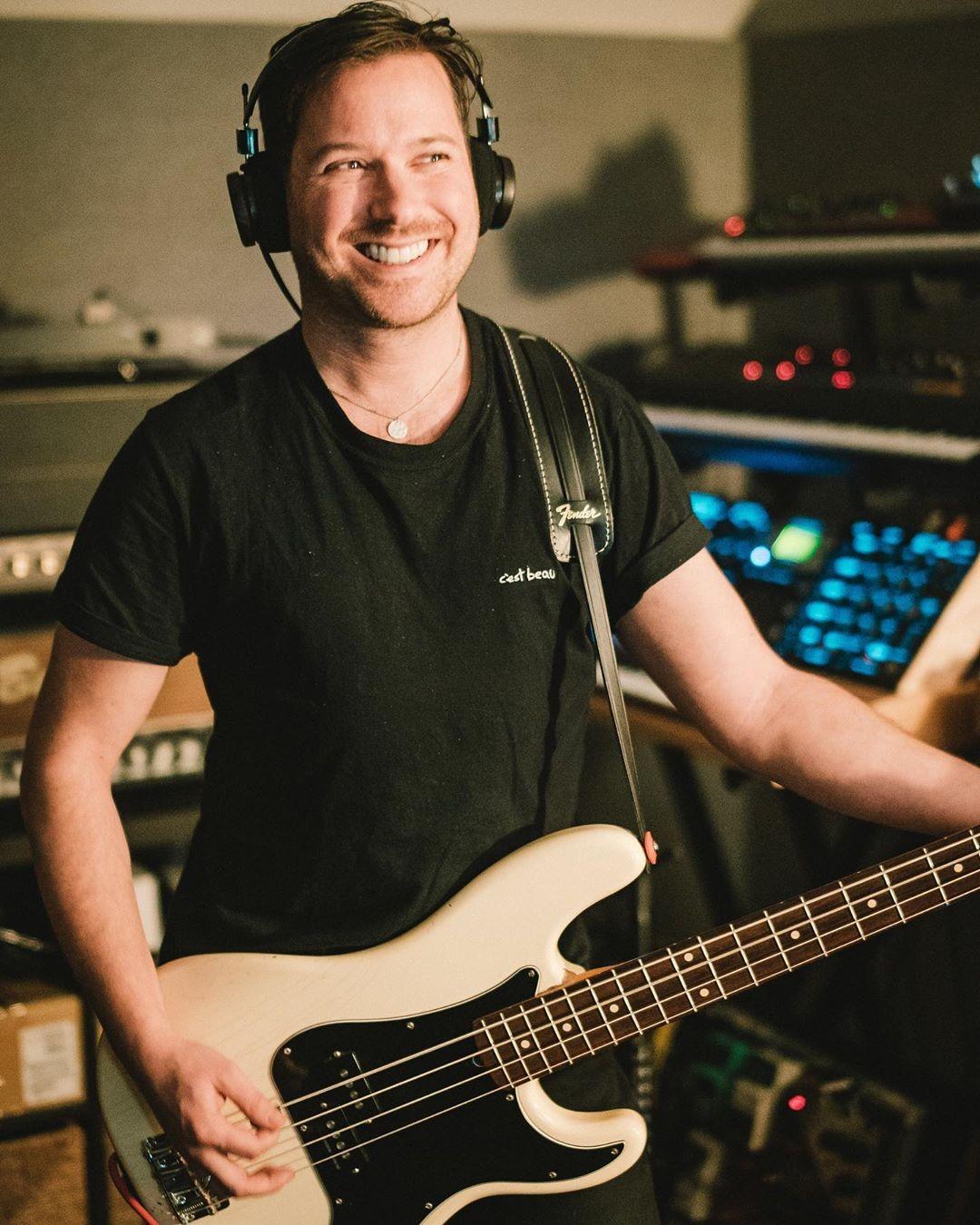 David Desrosiers, baixista do Simple Plan, deixa banda após acusações de assédio