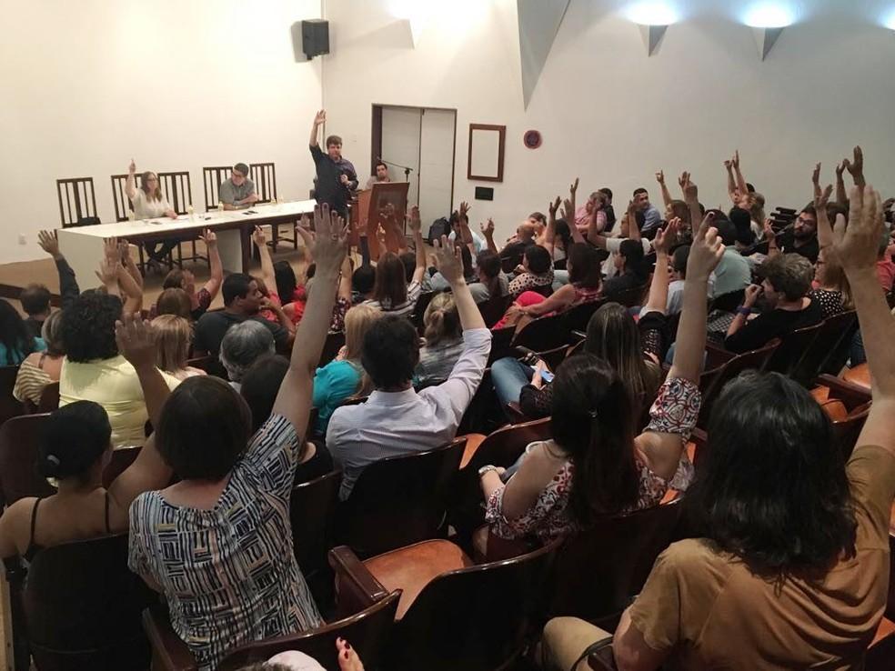 Fim da greve dos médicos do Recife foi definido na tarde desta segunda (22) em assembleia (Foto: Thiago Graf/Simepe/Divulgação)