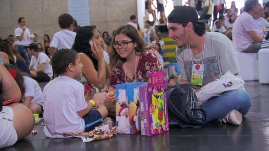 Pais transformam dor de perder filho em projeto para crianças