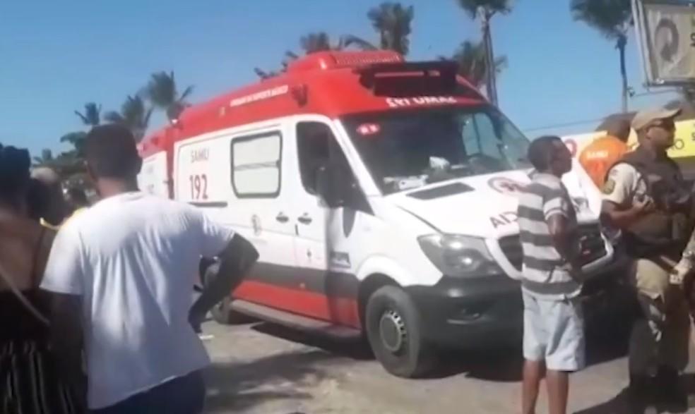 Idoso morreu após ser atropelado por ambulância do Samu — Foto: Reprodução/TV Santa Cruz