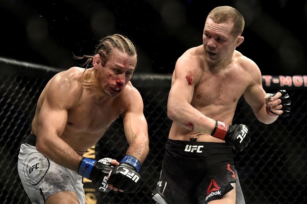 Em sua última luta, Petr Yan nocauteou Urijah Faber — Foto: Chris Unger/Getty Images