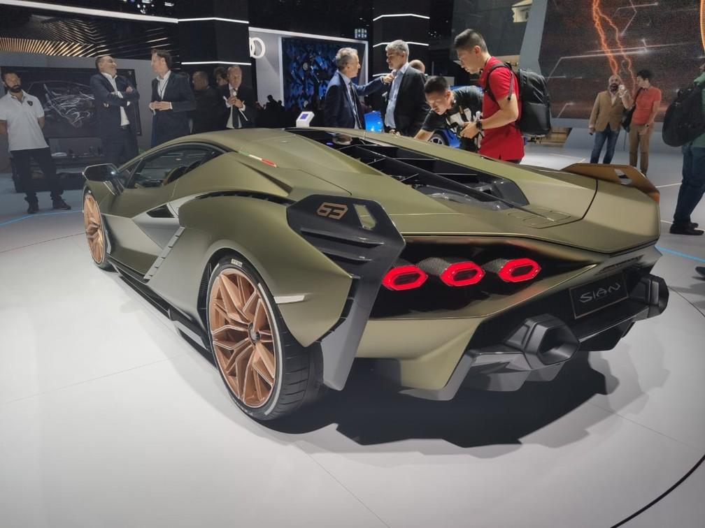 Lamborghini Sián é visto em público pela primeira vez na véspera do Salão de Frankfurt — Foto: André Paixão/G1