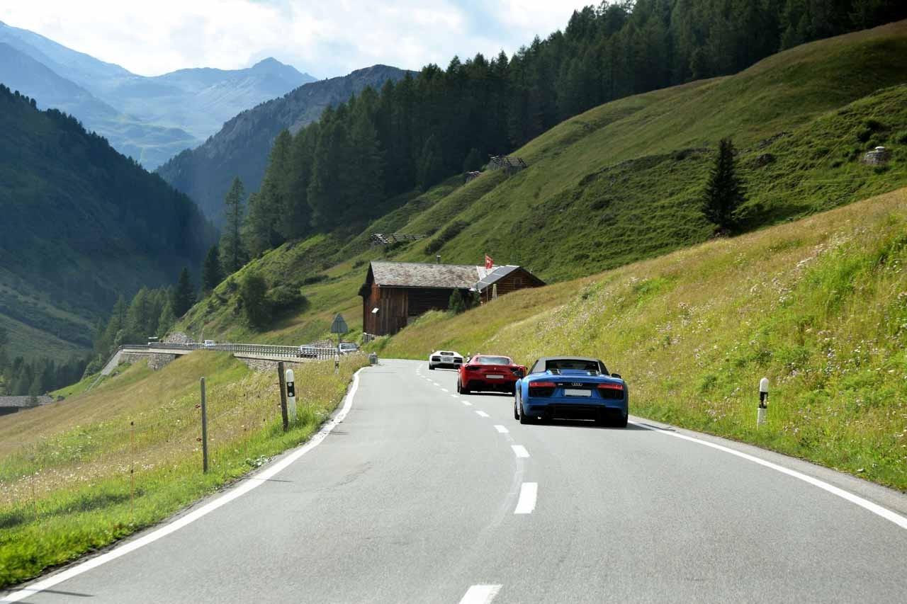 Os Alpes Suiços pela lente dos malucos por velocidade (Foto: Divulgação)
