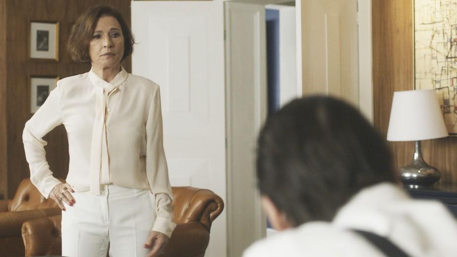 Kiki defende Alice e ameaça se divorciar de Arnaldo