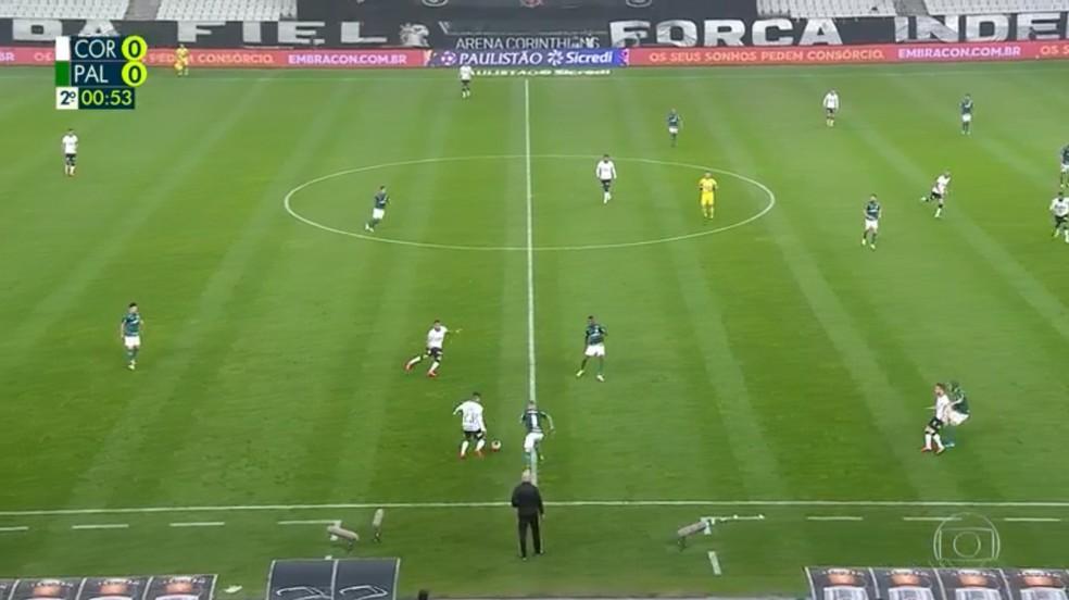 No segundo tempo, Palmeiras voltou com marcação mais alta desde o início — Foto: Reprodução
