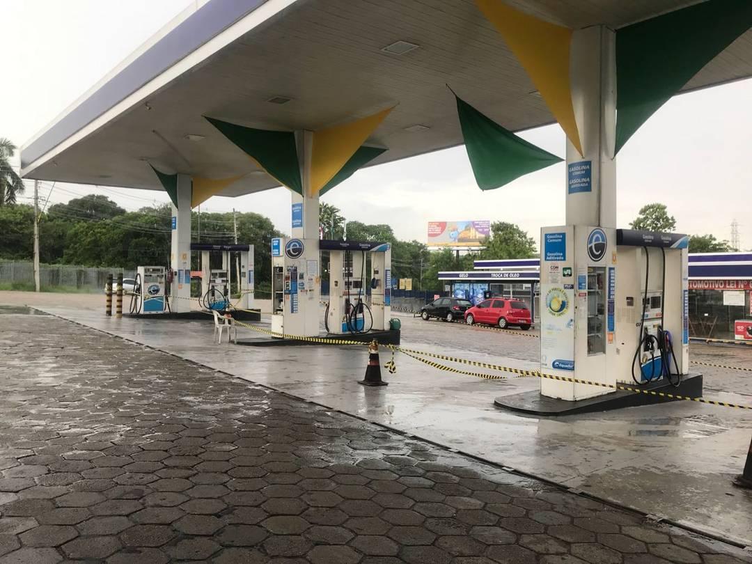 Posto de combustível da Avenida General Rodrigo Otávio segue fechado em Manaus