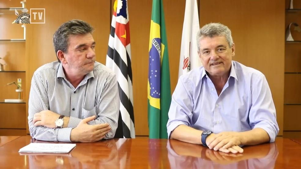 Andrés Sanchez, presidente do Corinthians, e Matias Ávila, diretor financeiro — Foto: Reprodução / Corinthians TV