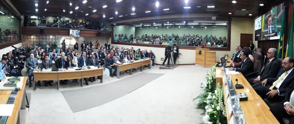 Deputados estaduais eleitos tomaram posse nesta sexta (1º) no RN — Foto: Eduardo Maia/ALRN/Divulgação