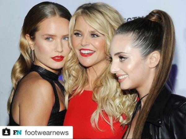 Christie Brinkley e as filhas Alexa e Sailor (Foto: Instagram)