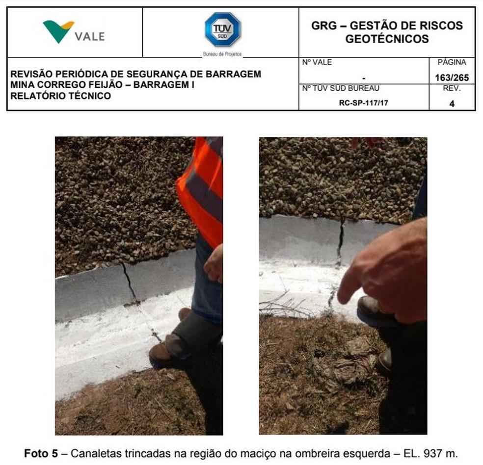 Canaletas trincadas na barragem de Brumadinho — Foto: Reprodução/Tüv Süd
