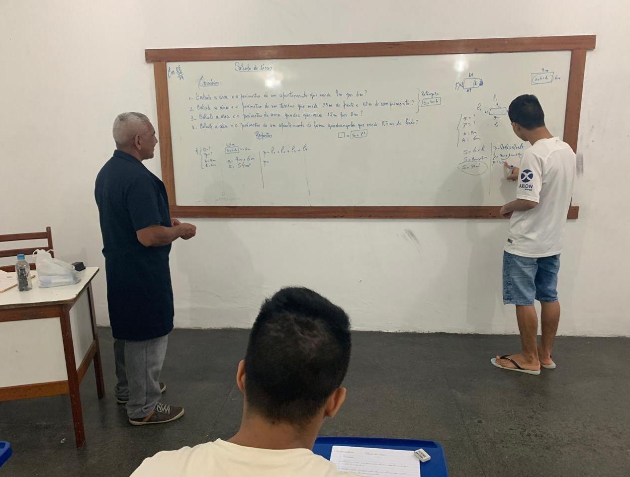 Internos do Centro Dagmar Feitosa se inscrevem para realizar Enem, em Manaus - Notícias - Plantão Diário