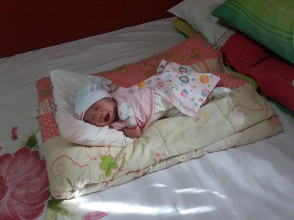 Pequena Isadora tinha apenas 13 dias de nascida quando se engasgou  — Foto: Divulgação/Corpo de Bombeiros