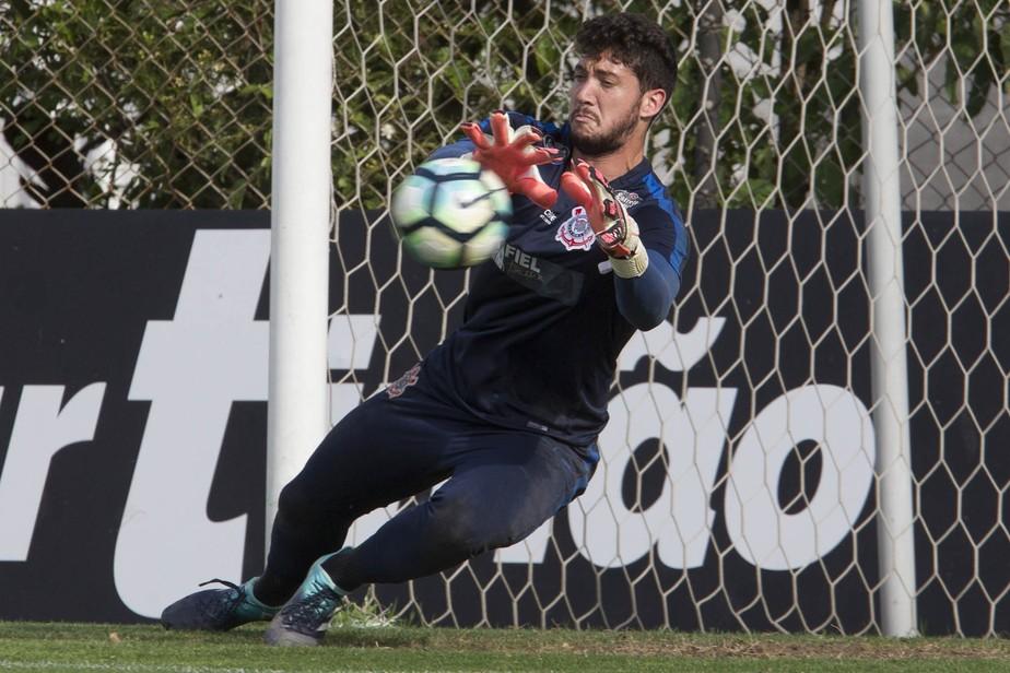 O goleiro que será escalado por Fábio Carille contra o Avaí 9a682bb587716