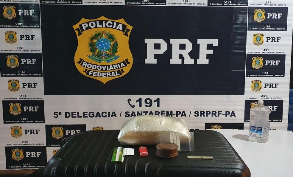Droga encontrada pela PRF em bagagem de passageiro de ônibus na BR-163 — Foto: PRF/Divulgação