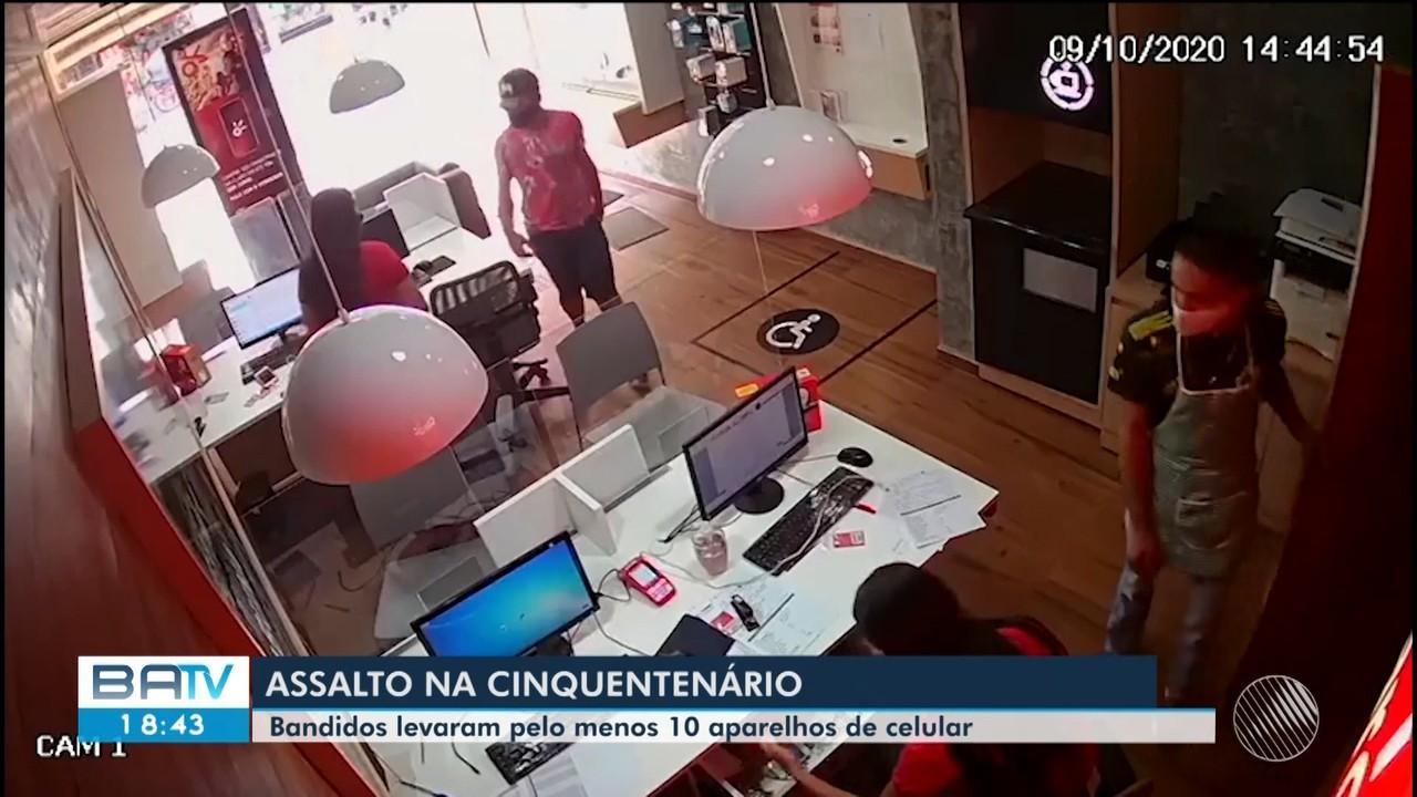 Homens armados assaltam loja de celulares na Av. dos Cinquentenários, em Itabuna