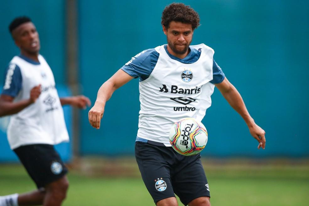 Victor Ferraz estreia pelo Grêmio contra o Caxias — Foto: Lucas Uebel/Grêmio