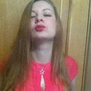 Lyudmila se defende dizendo que a outra mãe foi a primeira a atacar (Foto: NOTÍCIAS EAST2WEST)