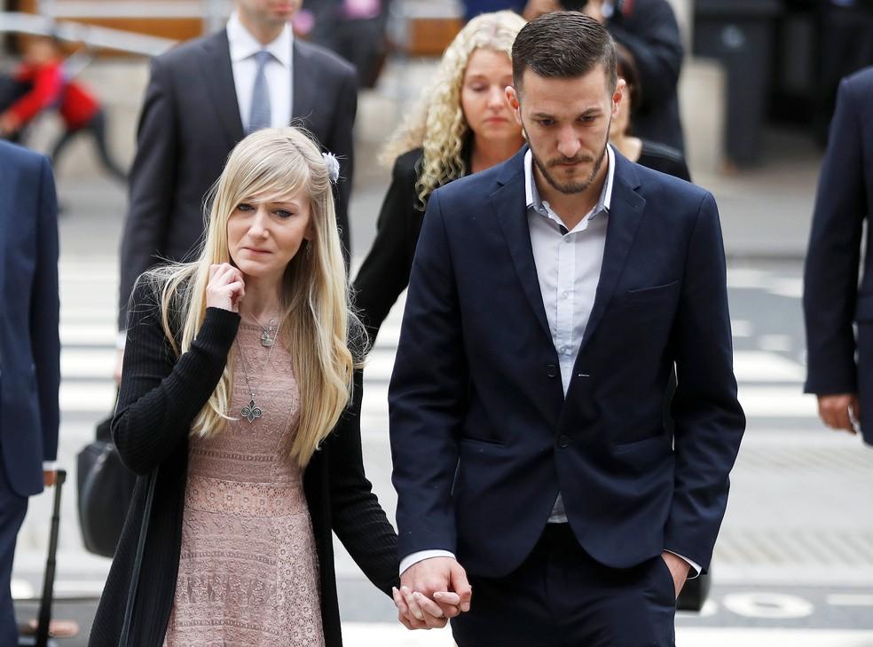 Pais do bebê Charlie Gard chegam ao tribunal em Londres (Foto:  REUTERS/Peter Nicholls)
