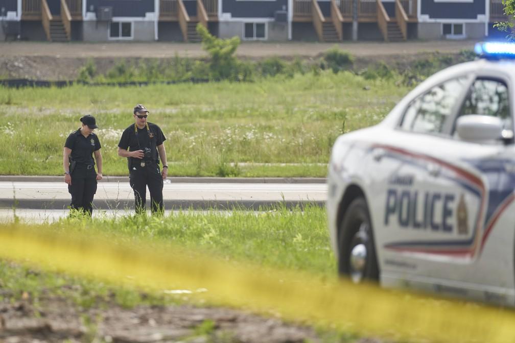 Polícia canadense investiga atentado contra família muçulmana no Canadá, em foto de 7 de junho de 2021 — Foto: Geoff Robins/The Canadian Press/AP