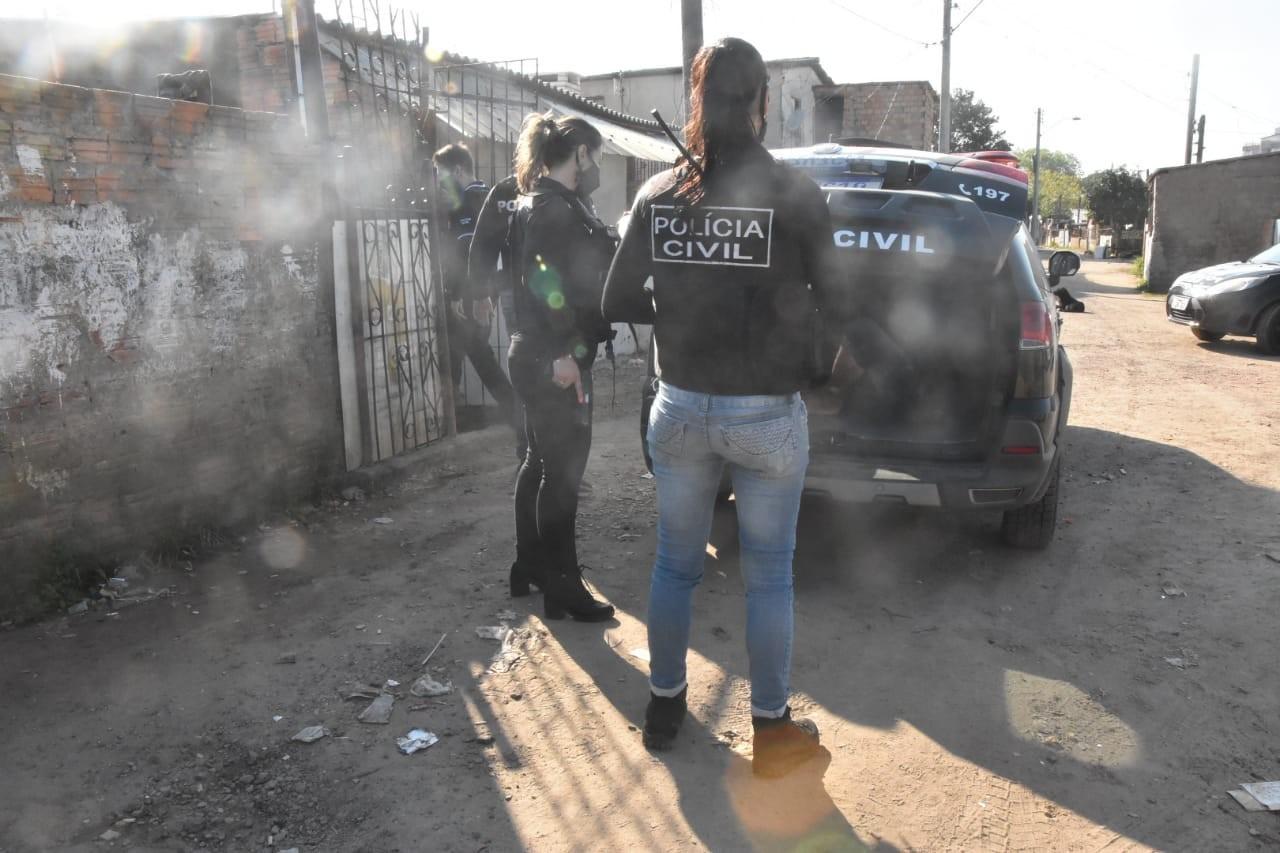 Polícia prende suspeitos em operação contra violência doméstica e familiar em Porto Alegre