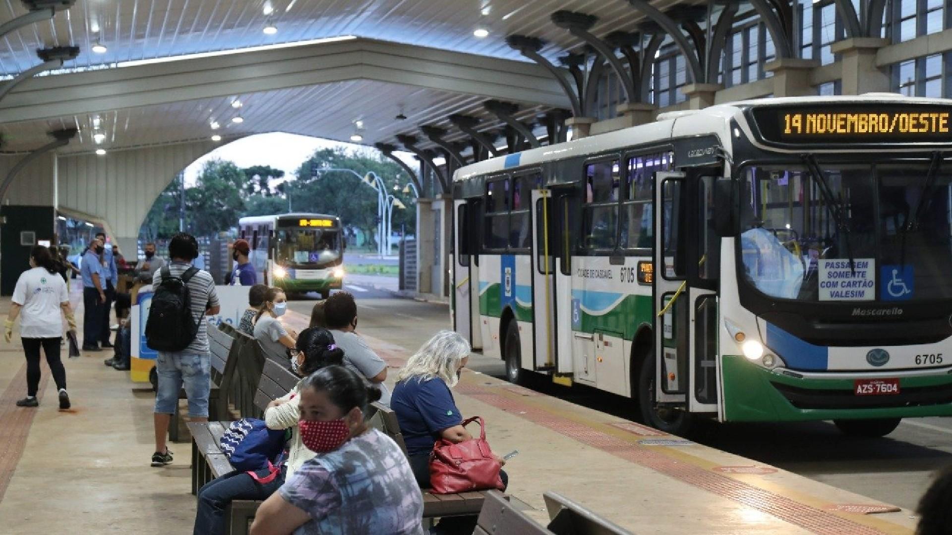 Covid-19: Transporte de idosos acima de 65 anos é liberado com restrições, em Cascavel