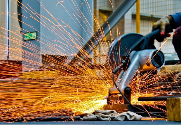 Confiança da indústria no Brasil sobe pelo 4° mês consecutivo em agosto, diz  FGV - Época Negócios | Economia