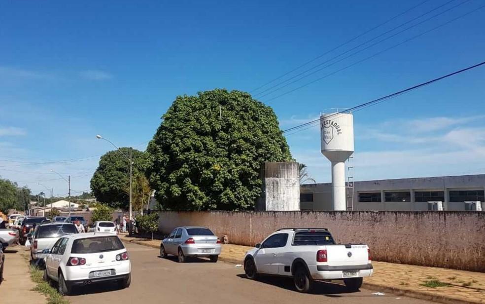 Jovem invadiu Colégio Estadual 13 de Maio, em Alexânia, e matou estudante (Foto: Maryá de Podestá/TV Anhanguera)