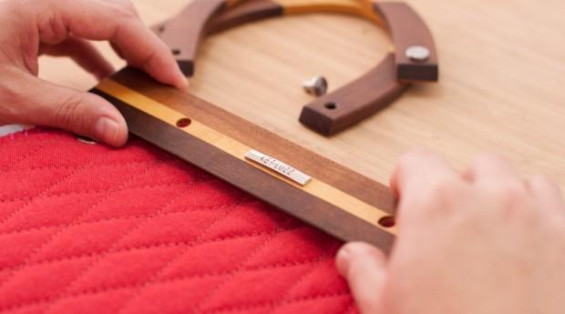As bolsas são feitas principalmente com madeira, metais e tecido (Foto: Divulgação)