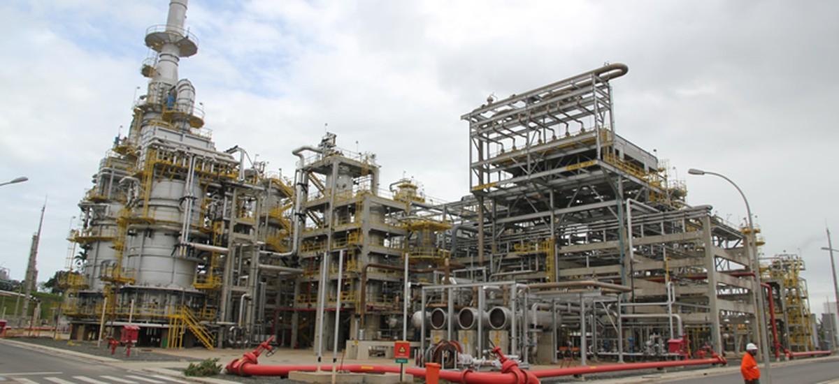 Petroleiros alegam surto de Covid-19 em Refinaria Landulpho Alves e Petrobras diz que é 'reflexo do aumento de casos na BA'