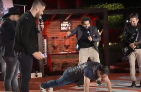 Primeira live pós Covid de sertanejo Zé Neto, da dupla com Cristiano, tem padre fazendo flexões