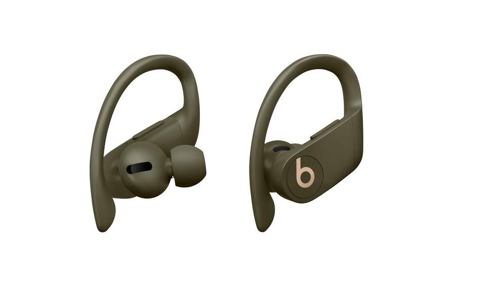 Powerbeats Pro conta com microfone integrado e suporte para assistente de voz — Foto: Divulgação/Apple