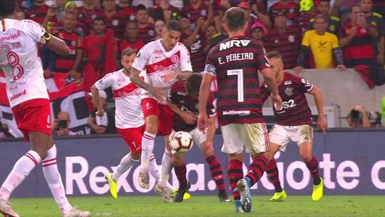 """André Rizek destaca atuação de Rodrigo Caio pelo Flamengo: """"Botou o Guerrero no bolso"""""""