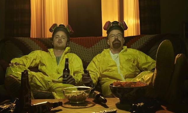 Aaron Paul e Bryan Cranston em cena de Breaking Bad (Foto: Reprodução)