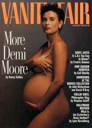 A atriz de 'Ghost – Do Outro Lado da Vida' (1990) causou frisson quando tirou a roupa para a capa da Vanity Fair durante sua gravidez, em 1991. Mal sabia que ela iria abrir o caminho para outras celebridades fazerem o mesmo. (Foto: Divulgação)
