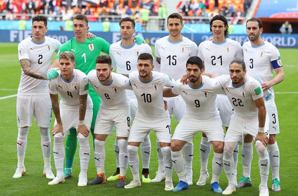 Arrascaeta foi titular ao lado de Cavani e Suarez na estreia do Uruguai na Copa da Rússia — Foto: Twitter / Seleção do Uruguai