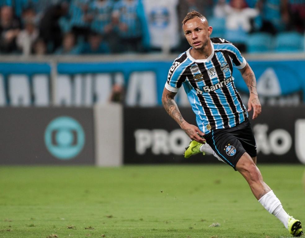 Everton fez 19 gols em 49 partidas — Foto: MAX PEIXOTO/DIA ESPORTIVO/ESTADÃO CONTEÚDO