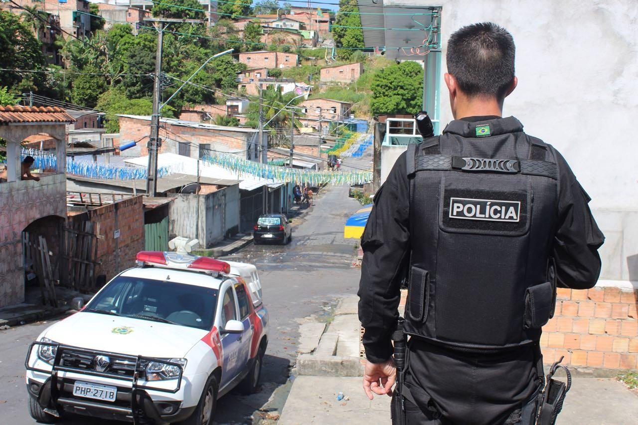 Seis são presos em operação em área onde traficantes impediram agentes de saúde de aplicar vacina contra sarampo em Manaus