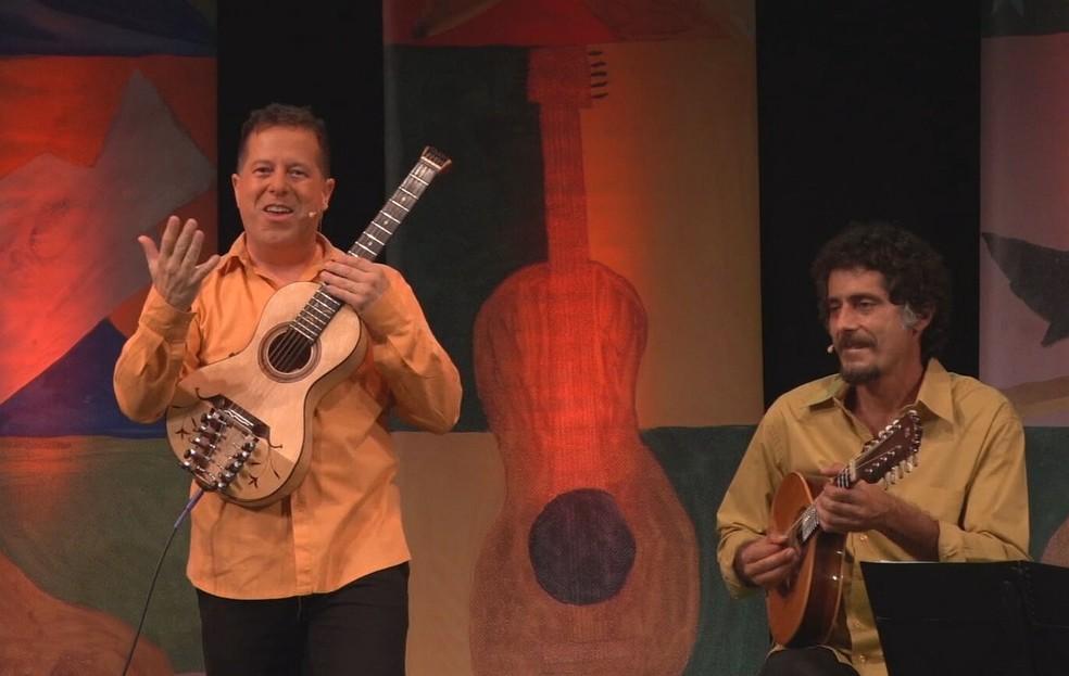 Primeira live do projeto 'Somos Todos Grãos', com o músico Marcello Linhos — Foto: Divulgação