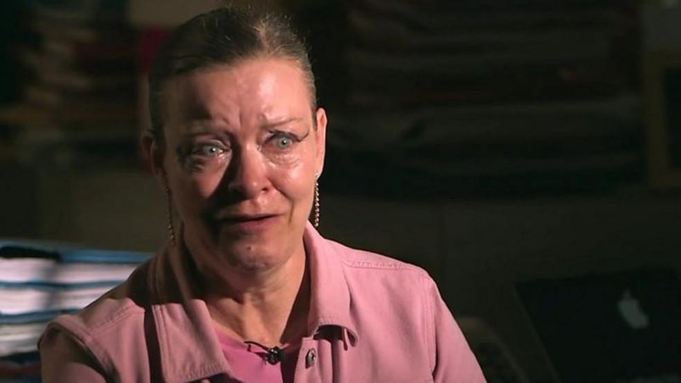 Elizabeth McCourt: 'Não posso perdoar o bairro de Lambeth pelo que fizeram a mim e à minha família' — Foto: BBC