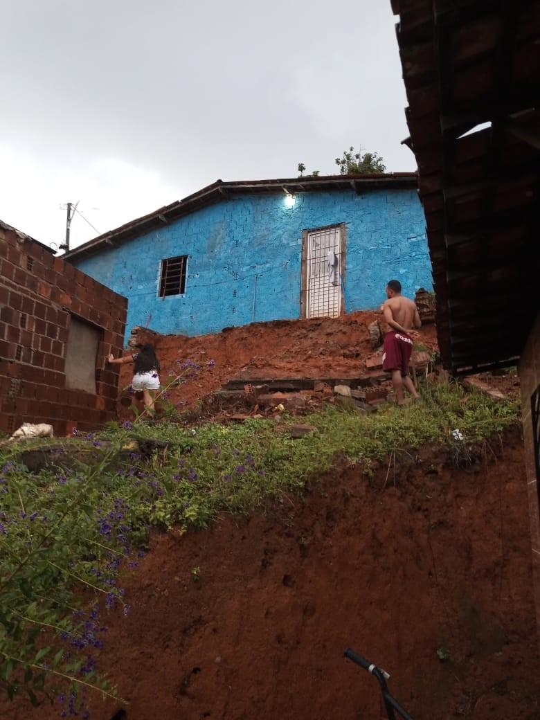 Fortes chuvas no final de semana causam alagamentos e transtornos no Grande Recife