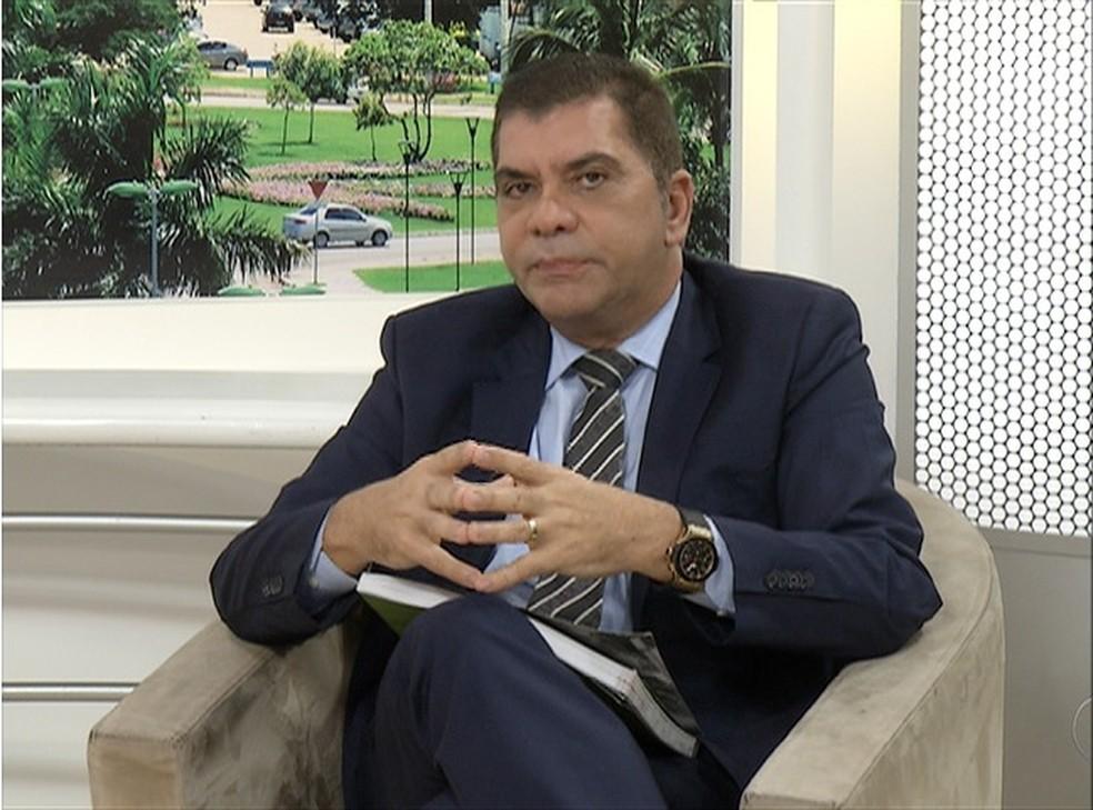 Carlos Amastha é o primeiro a ser entrevistado no JA1 (Foto: Reprodução/TV Anhanguera)
