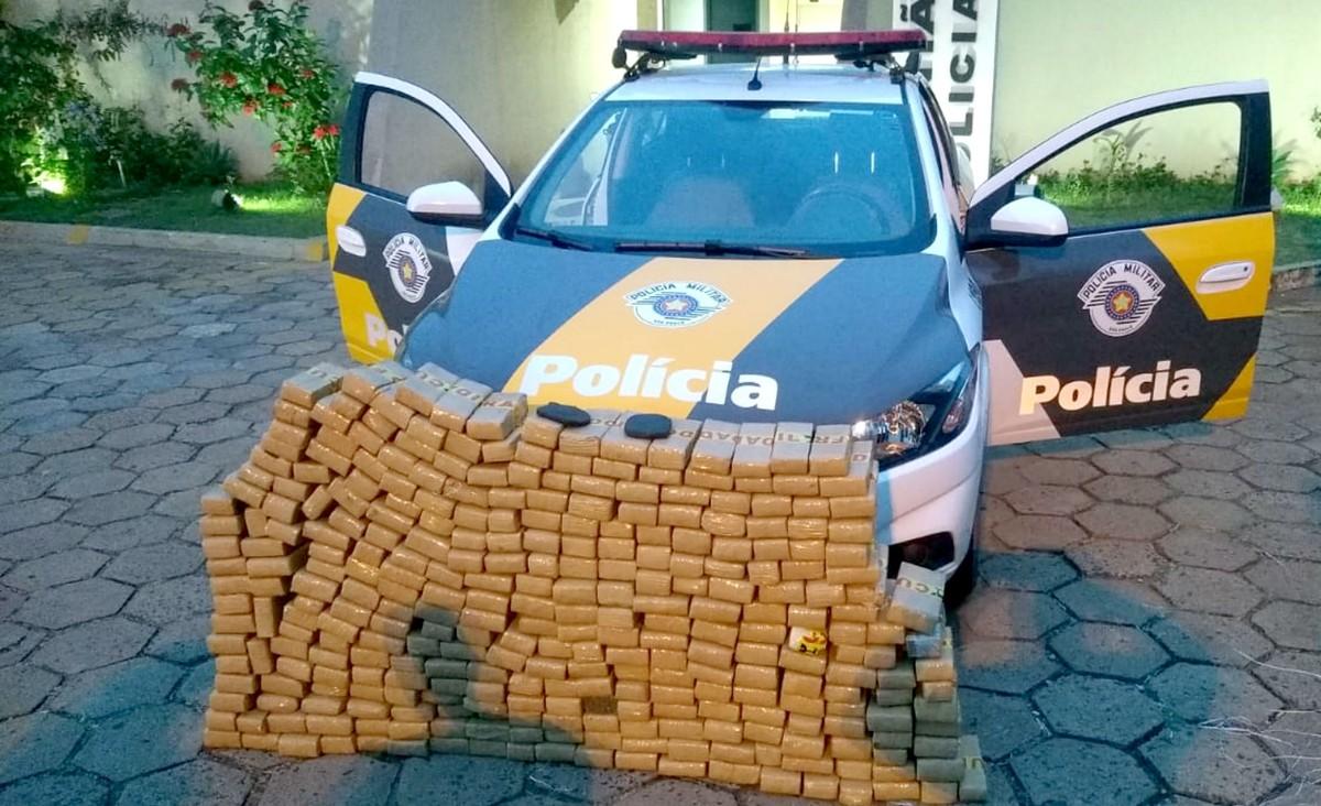Polícia Rodoviária apreende mais de 200 quilos de maconha em Lins - G1