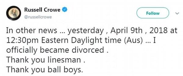 O tuíte no qual Russell Crowe anuncia o seu divórcio (Foto: Twitter)