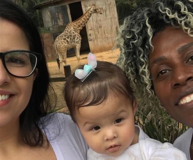 Thais Baptista, Valentina e Neném (Foto: Reprodução/Instagram)