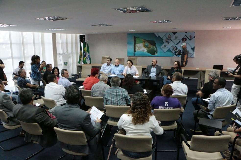 Reunião aconteceu nesta quinta-feira (27) — Foto: Demis Roussos