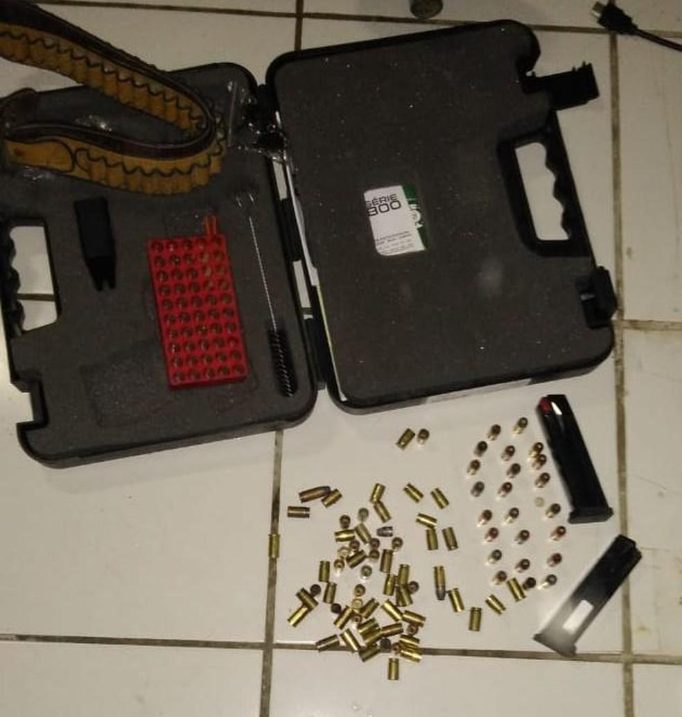 Munição apreendida com falso delegado em sítio na Caponga, na Grande Fortaleza. — Foto: Polícia Civil