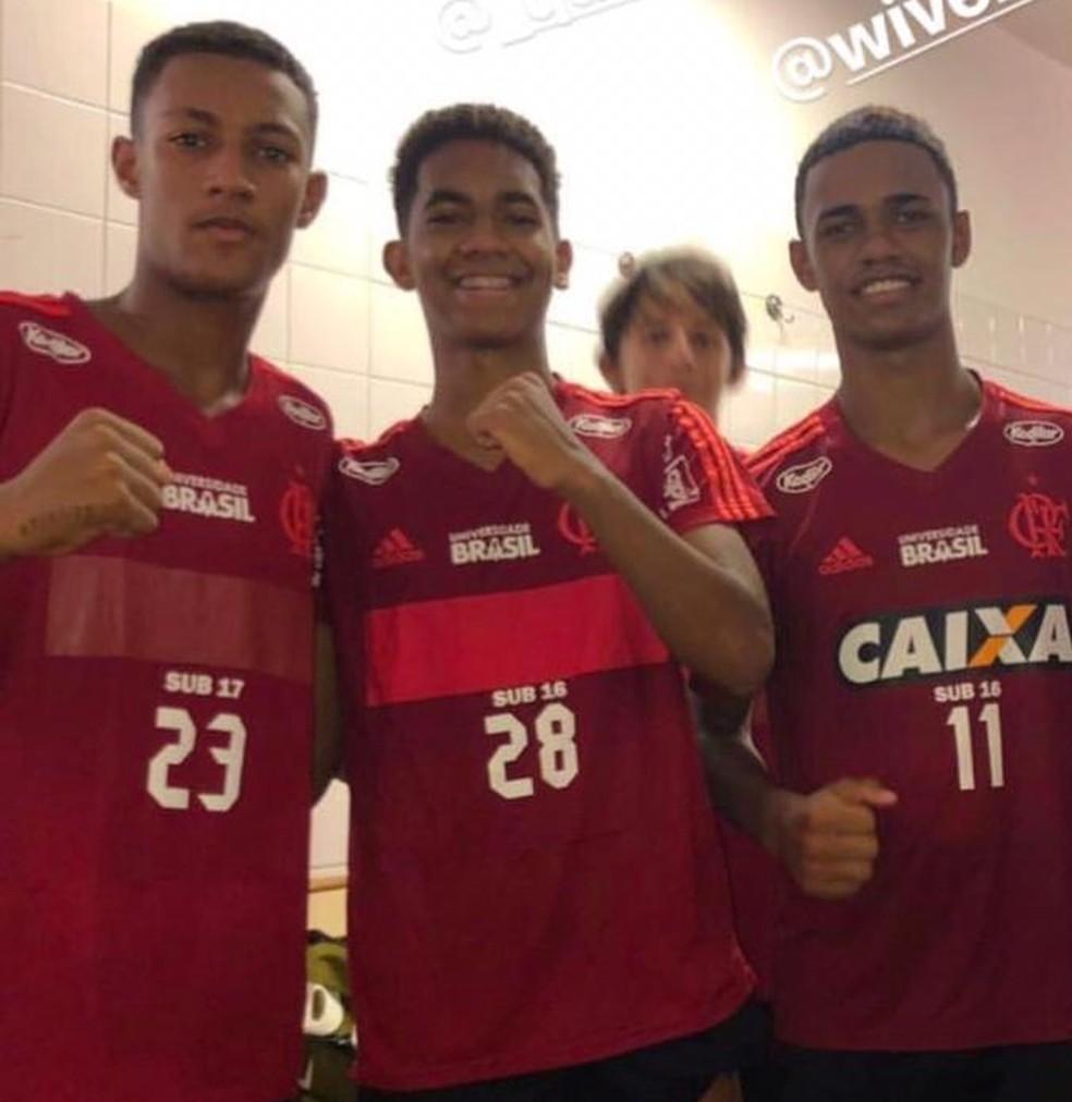 Garotos do Flamengo no vestiário do Audax — Foto: Arquivo Pessoal